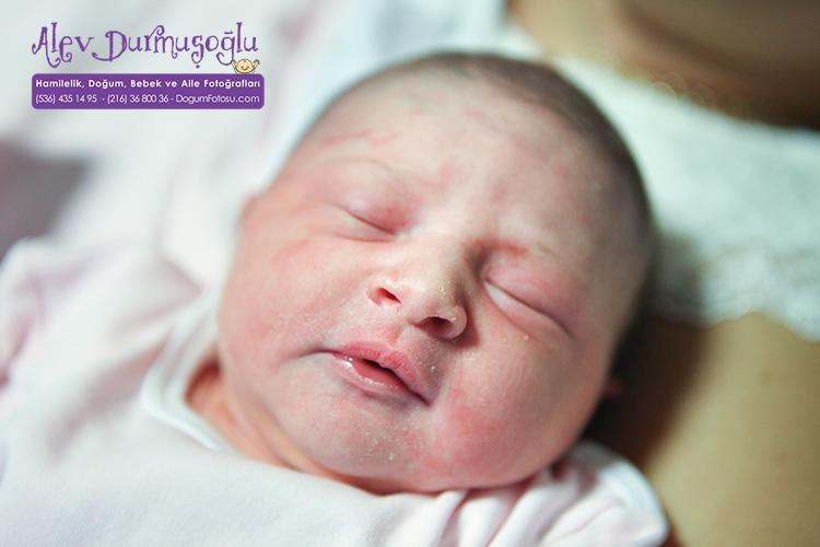Azra Ayşe'nın Doğum Fotoğrafları