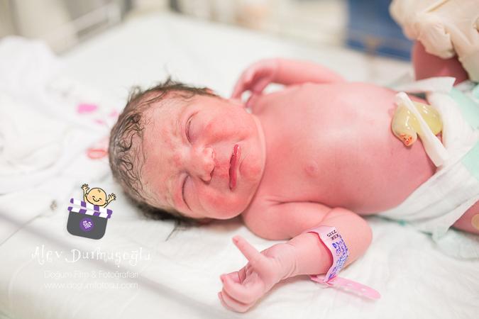 Defne'nin Doğum Fotoğrafı
